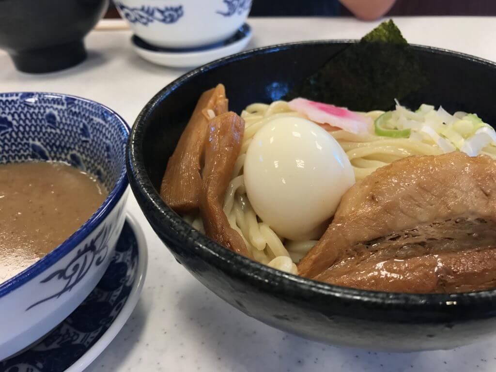 【仁龍(じんりゅう)】熊本市郊外のこってり系。濃厚なつけ汁でいただくつけ麺をぜひ。