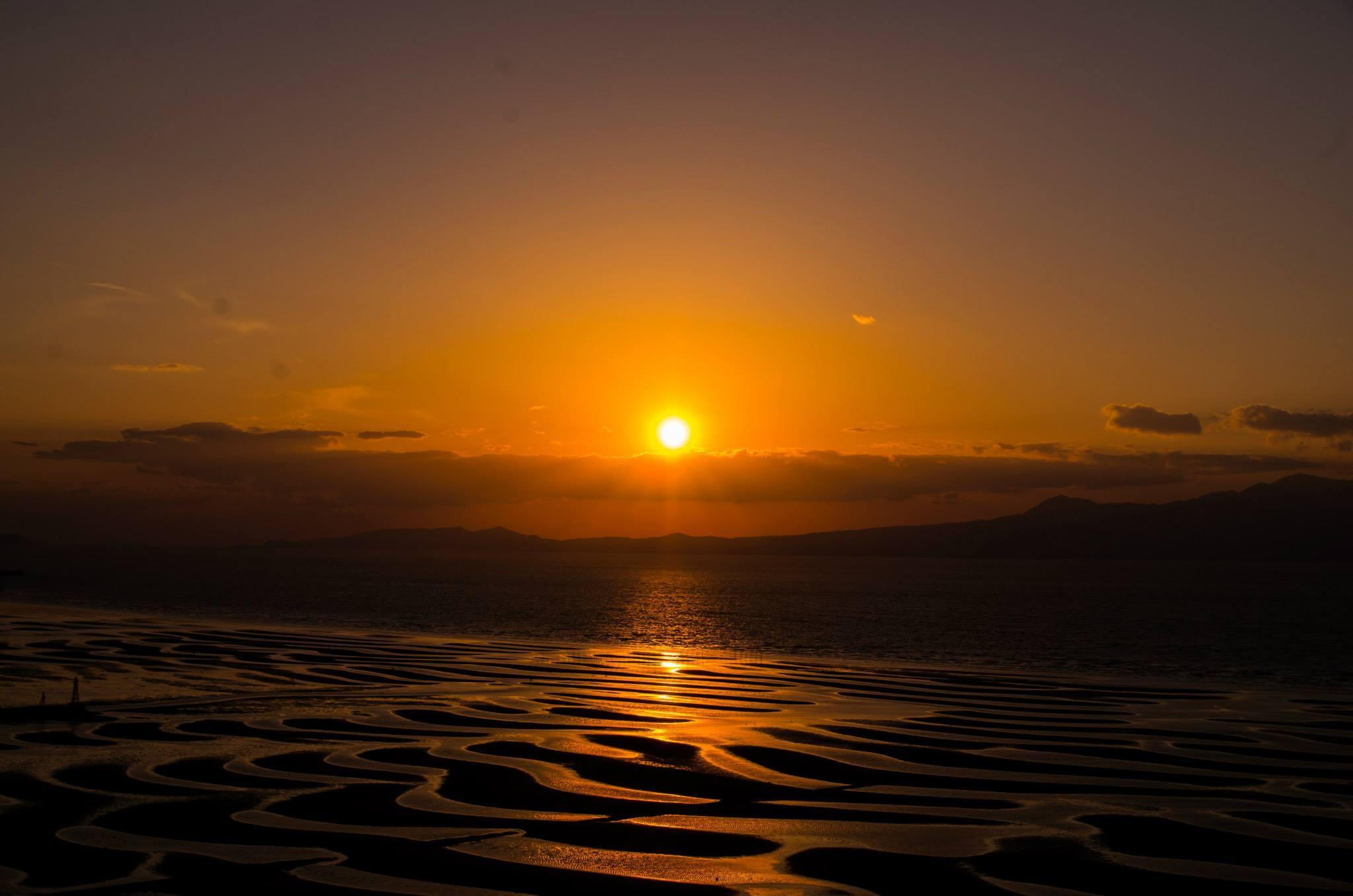 【御輿来海岸(おこしきかいがん)】熊本随一の夕日の名所。年数回だけは本当に奇跡の絶景。