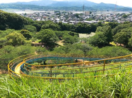 【宇城市松橋町 岡岳公園】小学生も楽しめる!長いすべり台とアスレチックがある公園♪