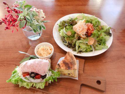 【熊本市西区二本木 T-FLOWERS GIFT&CAFE (ティーフラワーズギフト&カフェ)】お花屋さん併設のオシャレなカフェです。