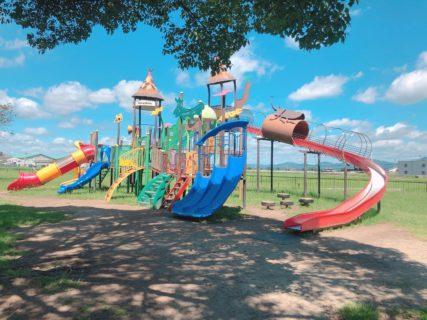 【鴨川河畔公園】すべり台の種類豊富なアスレチックの大型遊具と川遊びも楽しめる公園♬乳幼児コーナースペースもあります!《熊本県菊池市七城町》