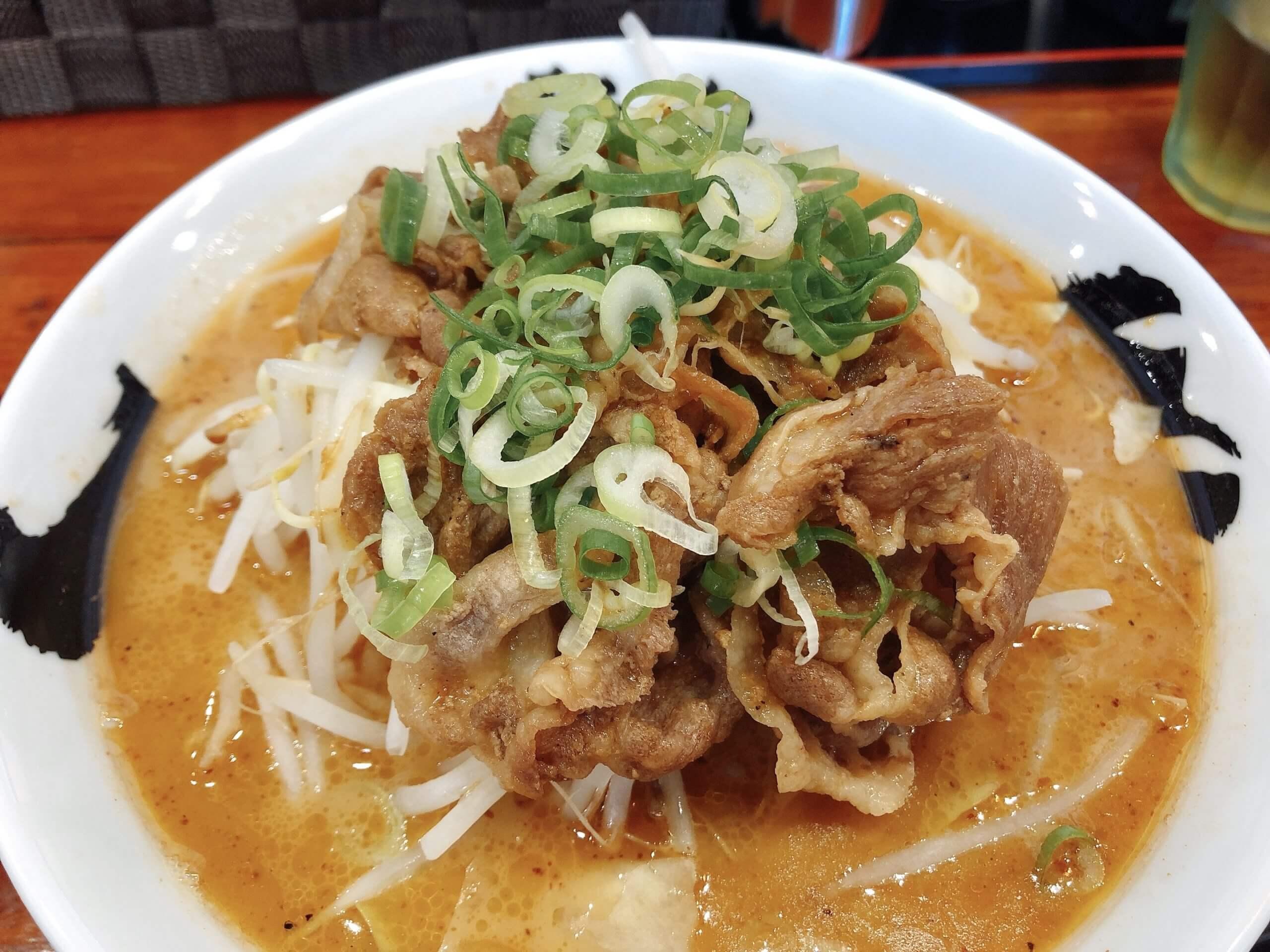 【麺や肉虎】お肉も野菜もボリュームたっぷり!味変もオススメのラーメン屋さん♫《熊本市東区桜木》