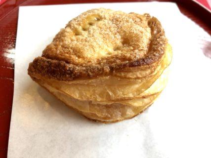 【二つ茶屋】大人気!お土産にもピッタリなとろっと美味しい誰もが唸るアップルパイ《熊本市北区清水本町》