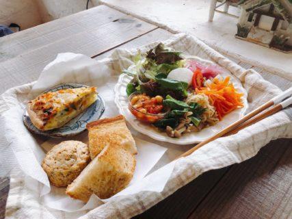 【のほほんcafeボア・ジョリ】優しい食事とジブリのような空間が魅力のカフェ《阿蘇郡南阿蘇村河陰》