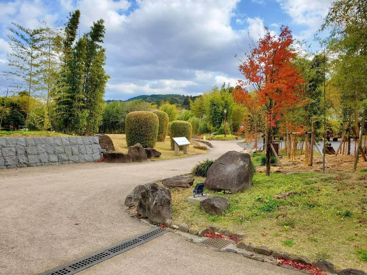 【竹林園】竹林に囲まれたゆっくりと時の過ぎる和風な公園《水俣市百間町》