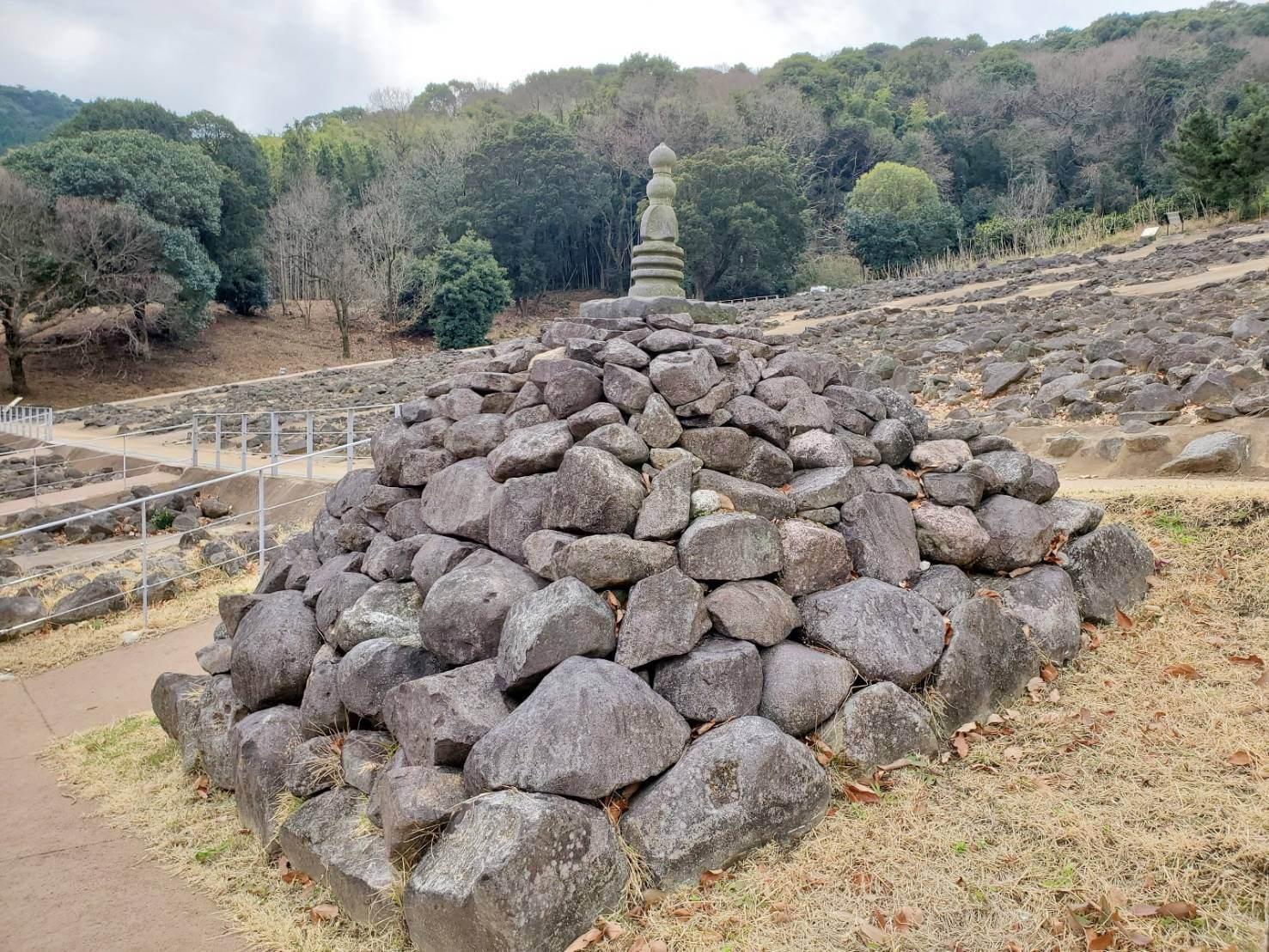 【西平山公園】不思議な石のある公園☆石が好きなお年頃集まれっ!《熊本市西区池上町》