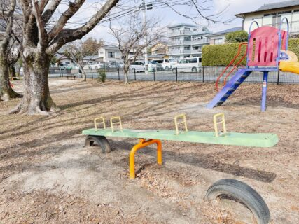 【京塚上公園】芝生も広々!日当たりがいい住宅街の静かな公園♪《熊本市中央区神水》