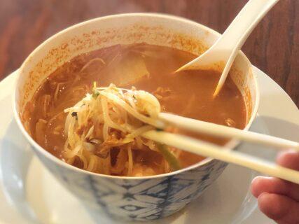 【赤れんが】海外気分が味わえる、ボリューミーなエスニック料理店《宇城市松橋町久具》