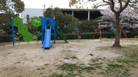 【水野公園】どこから入るのか?謎の公園、遊具もあった!《荒尾市水野》