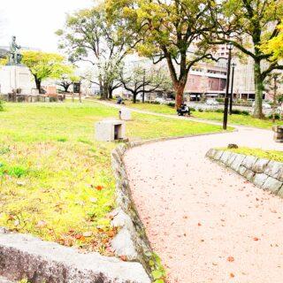 【高橋公園】偉人の銅像、石の門がある♪街中の休憩所的な公園《熊本市中央区千葉城町》