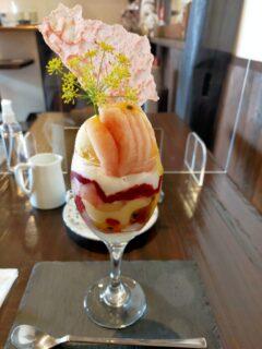 【創作仏蘭西菓子ロワゾー・ブルー -玉名市中-】桃×ライチ×パッションフルーツのパフェが悶絶級の美味しさでした