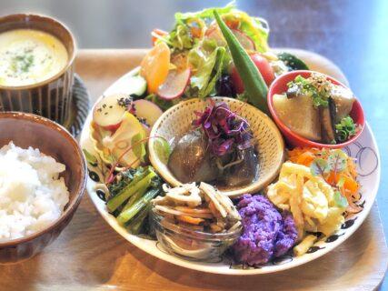 【ギンギラ – 熊本市中央区西子飼町 – 】県産野菜をたっぷり使った贅沢満腹べジプレート
